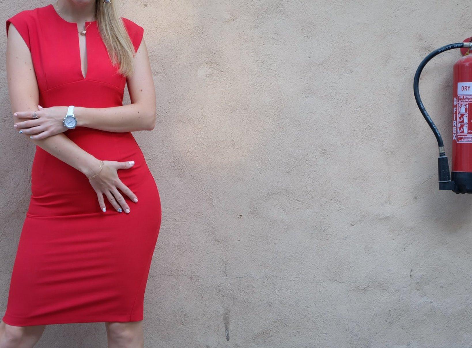 Jaki Kolor Paznokci Do Czerwonej Sukienki Facelook Wybieraj