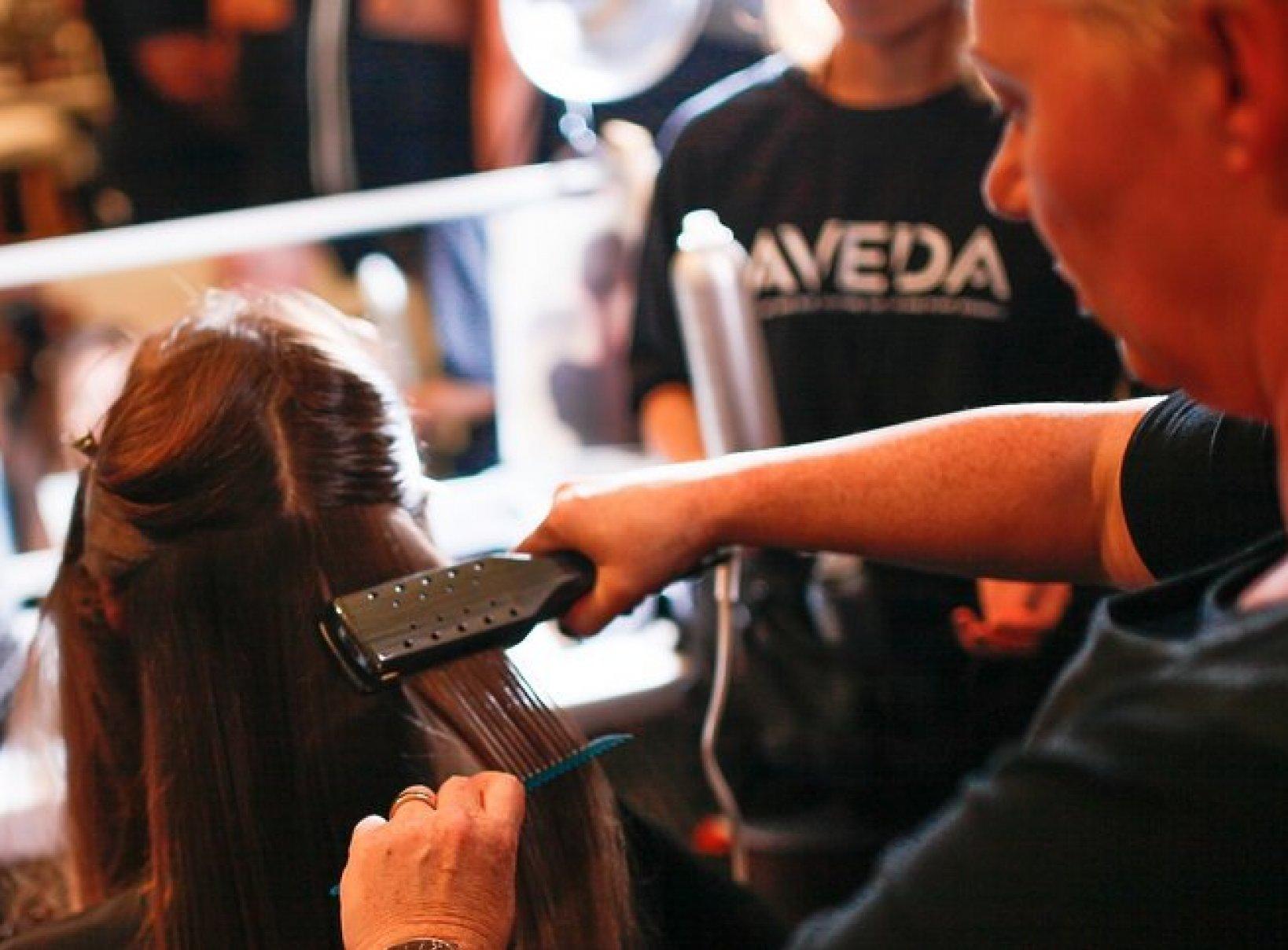 Regeneracja Włosów U Fryzjera Oto Najpopularniejsze Profesjonalne