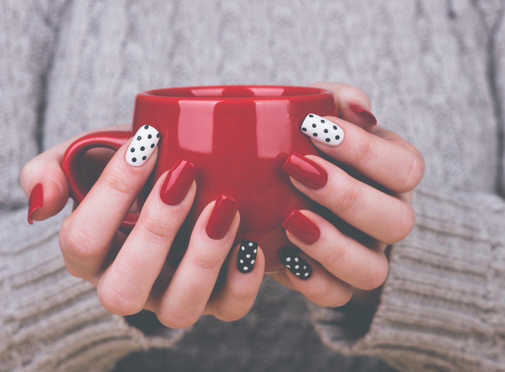 Mania Manicure Czyli Trendy W Stylizacji Paznokci Na Sezon Wiosna